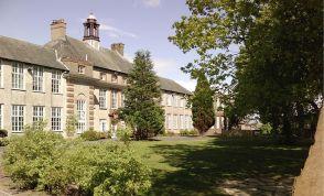 800px-Queen_Elizabeth_Grammar_School,_Penrith._Picture