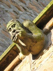 450px-Gargoyle_Dornoch_Cathedral