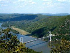 800px-Bear_Mtn_Bridge
